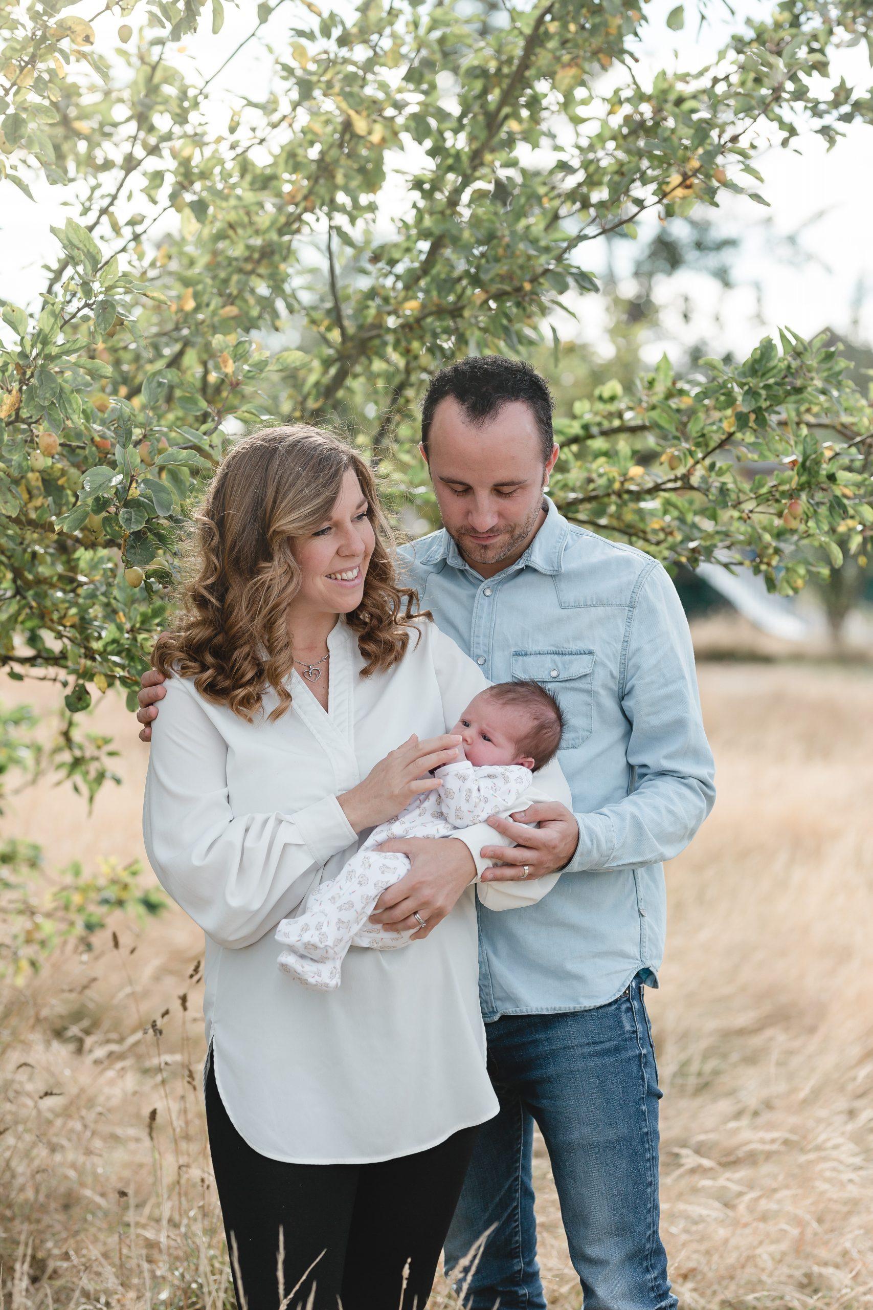 natural newborn photos Kent
